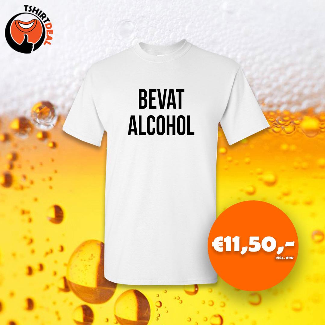 Wit shirt met opdruk 'bevat alcohol'