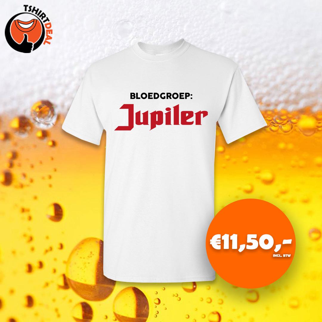Wit shirt met opdruk 'jupiler'