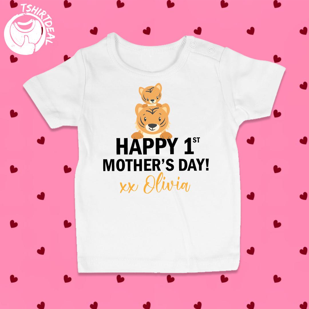'Happy 1st Mother's day' baby t-shirt met naam!